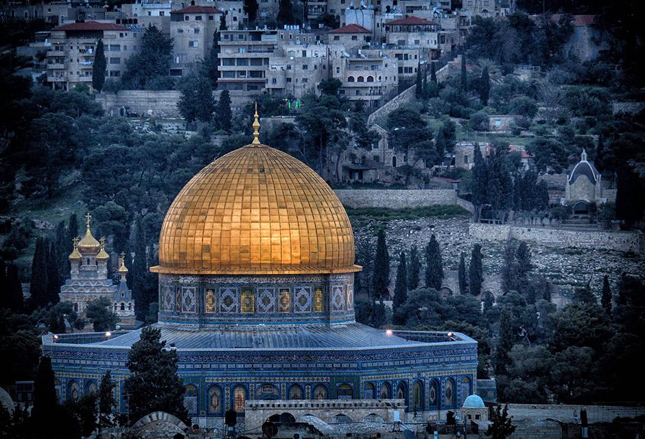 Polarized & Demobilized: Legacies of Authoritarianism in Palestine